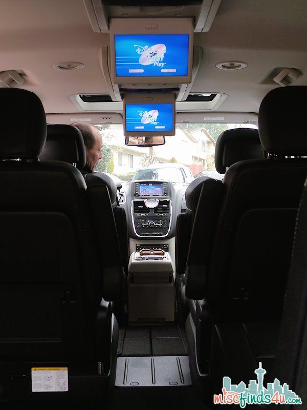 Chrysler Town Country Minivan Entertainment For Everyone