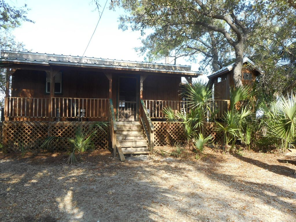 Beau Secluded Cabin On St. Joe Bay, At Cape San Blas. The KINGFISHER Is