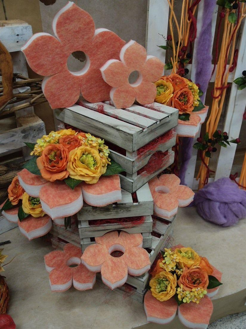 Composizioni con cassette in legno e fiori di spugna for Idee e accessori