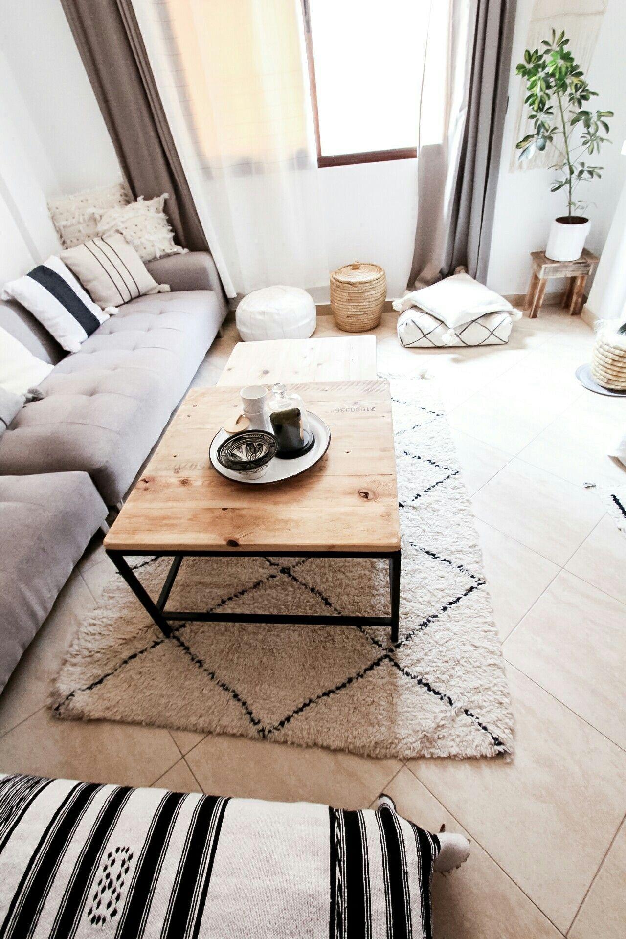 Marokkanische Teppiche Handgewebte Beniourains Aus Marokko Versand Aus Deutschland Online Bei Www Dari Design Co Marokkanische Teppiche Teppich Weiße Möbel
