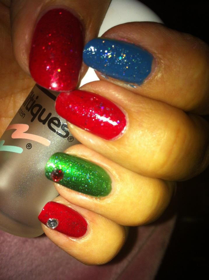 Christmas nails but with more colors. | wanna | Pinterest | Easy ...