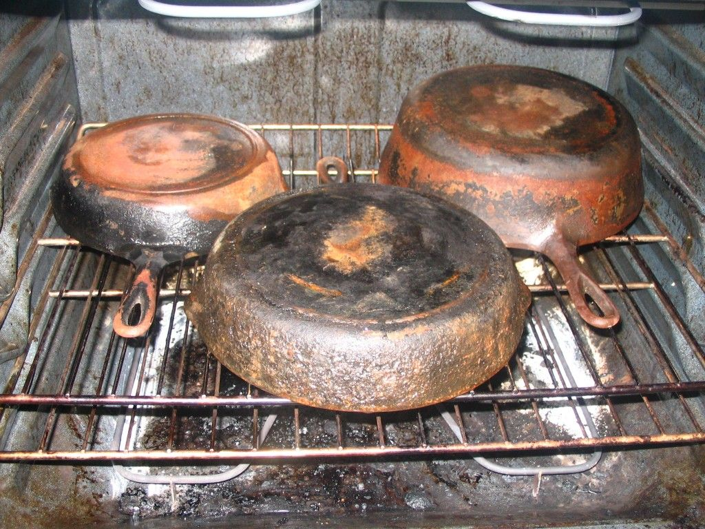 Rusty Cast Iron Soak In Vinegar And Water At Least 30 Min To Remove Rust Scour With Sos Pad Final Seasoning Use Lard Bake 2 3 Hours 500 Let