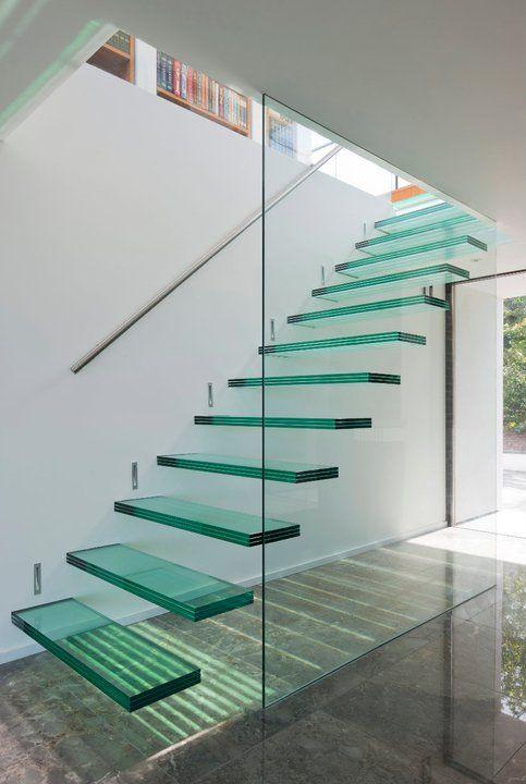 transformation d 39 un bungalow en maison contemporaine escalier pinterest. Black Bedroom Furniture Sets. Home Design Ideas