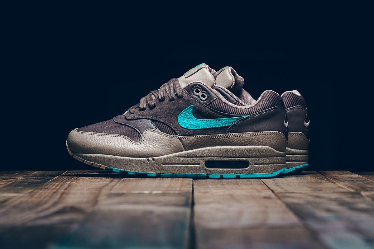 low priced 0380c 43486 Nike Air Max 1 Premium