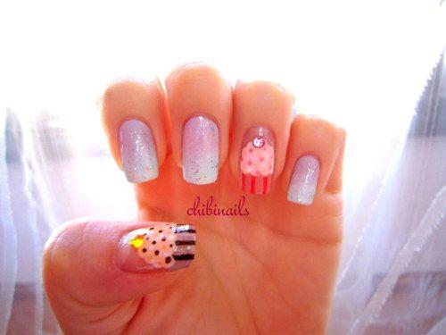Cute idea for birthday nails!