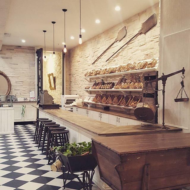 French Bisyro Decor Cafe On Pinterest Bistro Kitchen