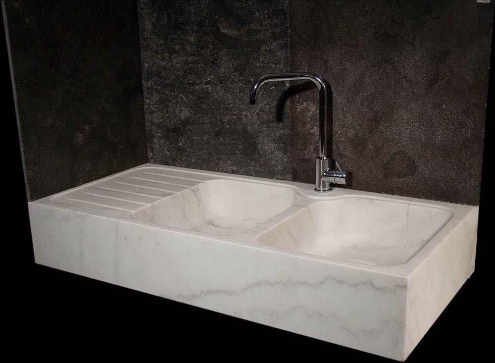 Lavandino da cucina classico, nella versione in marmo bianco ...