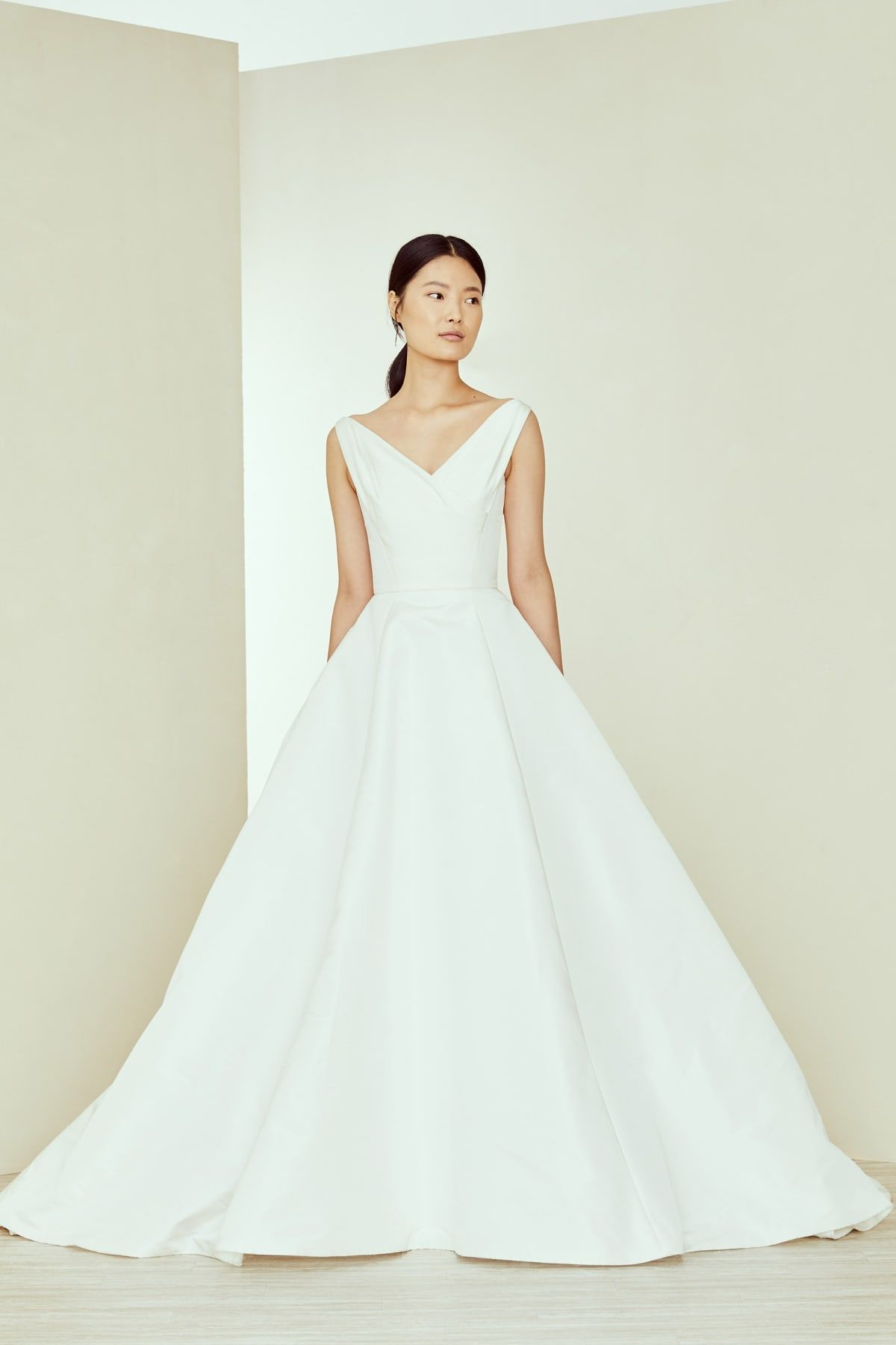 Amsale Bridal Collection Fall 2020 Dress For The Wedding In 2020 Amsale Wedding Dress Short Sleeve Wedding Dress Top Wedding Dresses