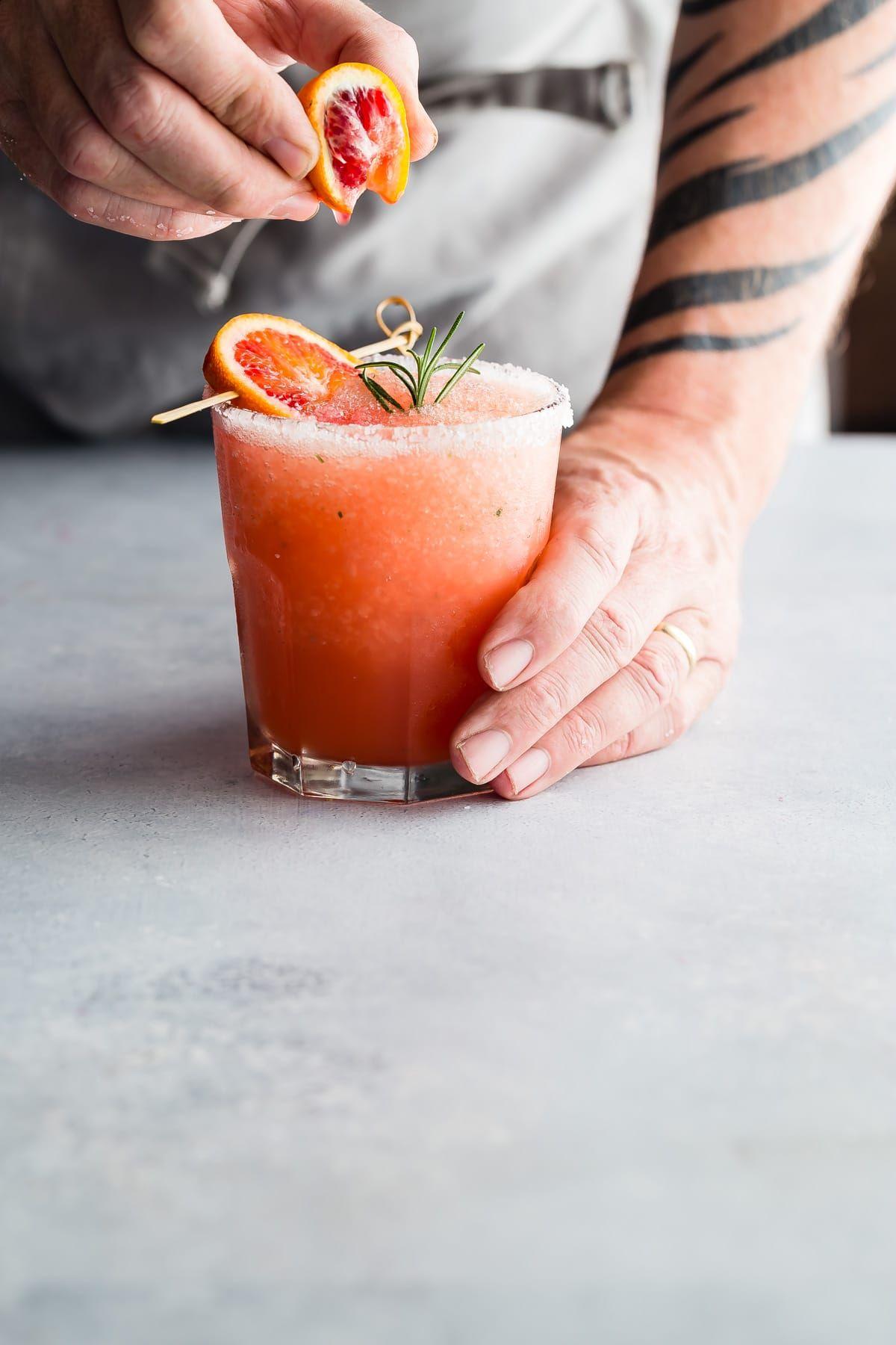 Blood Orange Margarita with Rosemary #boissonsfraîches
