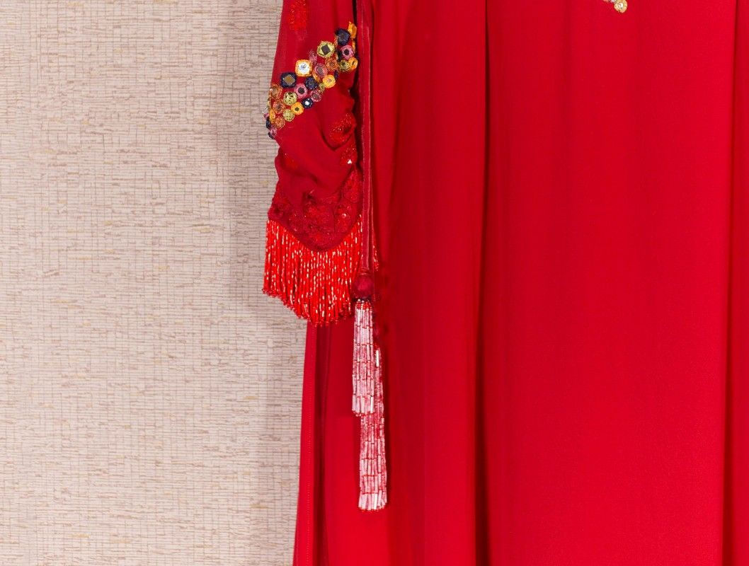 Anushka Sharma S Kurta From The Breakup Song Saltscout Cotton Dress Pattern Indian Red Kurti Design Cotton Dress Pattern Amitabh bhattacharya music label : kurta from the breakup song