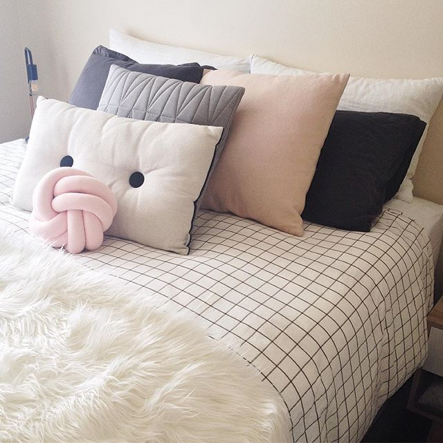 Nordic Scandi Scandinavian Bedroom In Blush Pink Grey White And Black With Grid Duvet Bedding Pink Bedroom Decor Pink Bedroom For Girls Pink Gray Bedroom