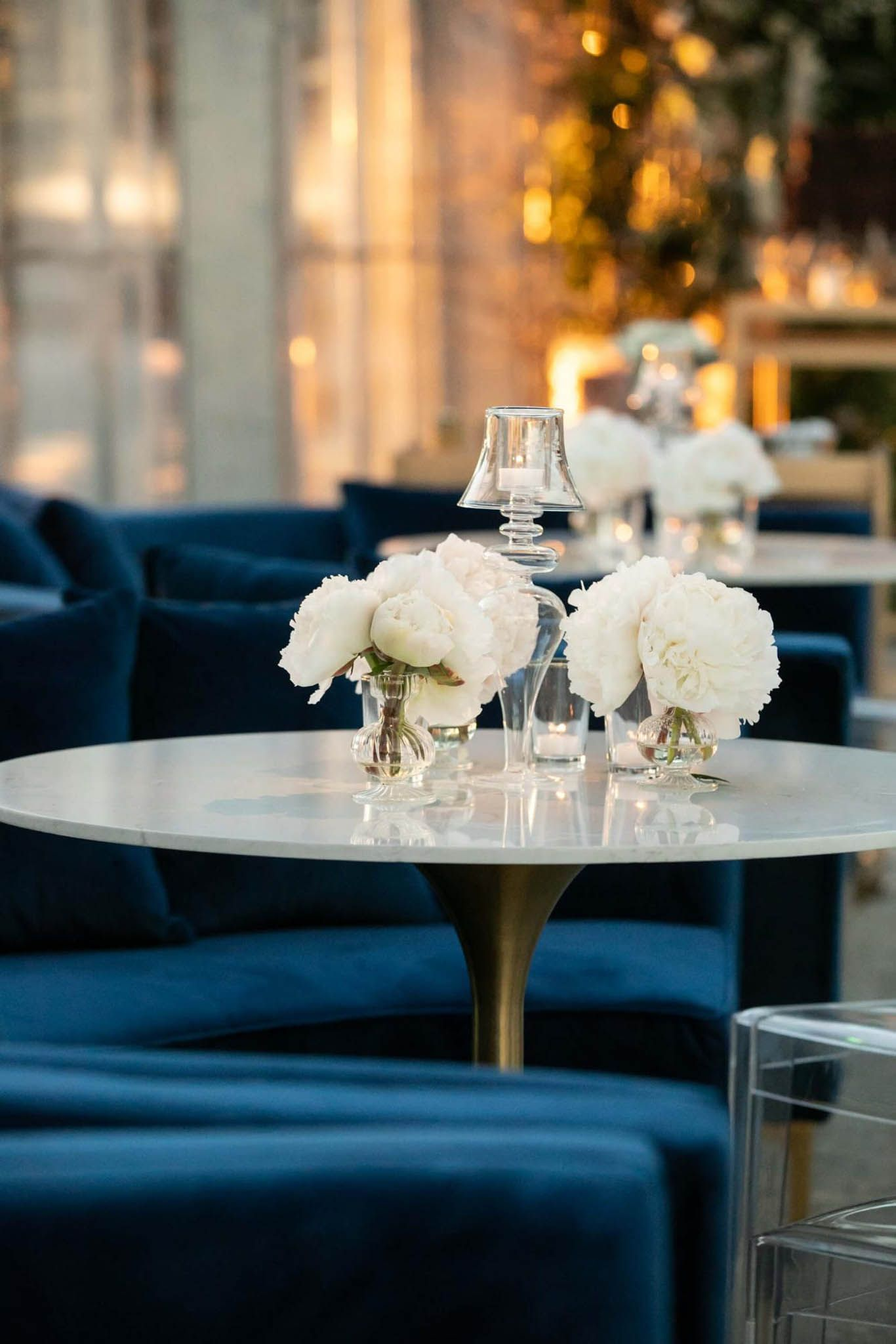 If You Think Neutral Colors Are Boring You Might Want To Keep Scrolling This Dreamy In 2020 Luxury Weddings Reception Modern Wedding Decor Floral Wedding Decorations