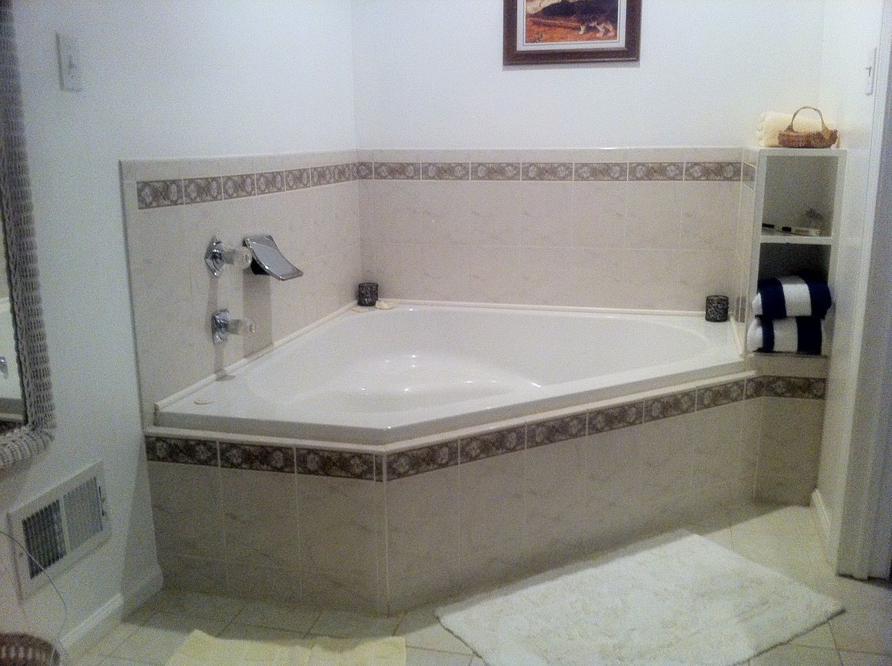 jacuzzi pictures | Heart-Shaped Jacuzzi Tubs and Other Tales From ...