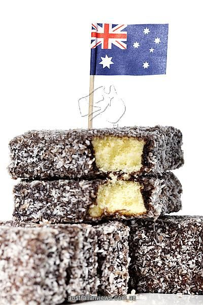 épinglé par ❃❀CM❁✿⊱A lamington is a dessert of Australian origin. It consists of squares of sponge cake coated first in a layer of traditionally chocolate sauce, then in desiccated coconut.
