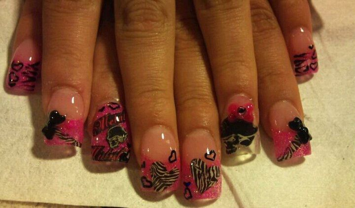 I WANT THESE NAILS SO BADLY :D