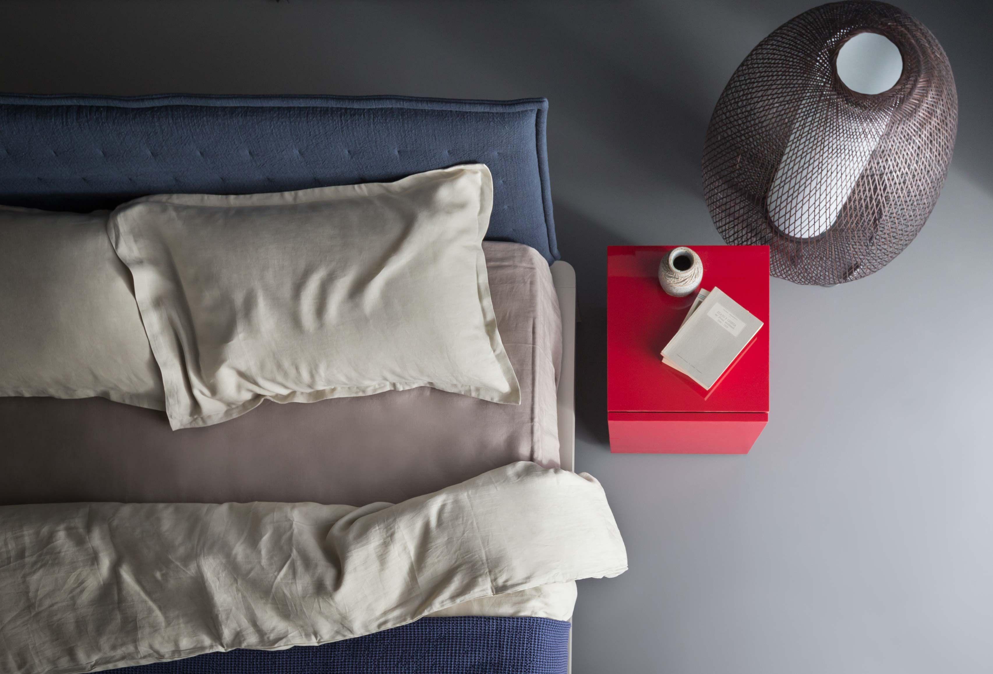 Pianca Mobili ~ Spillo letto; spazio modulo a cassetti laccato opaco melograno
