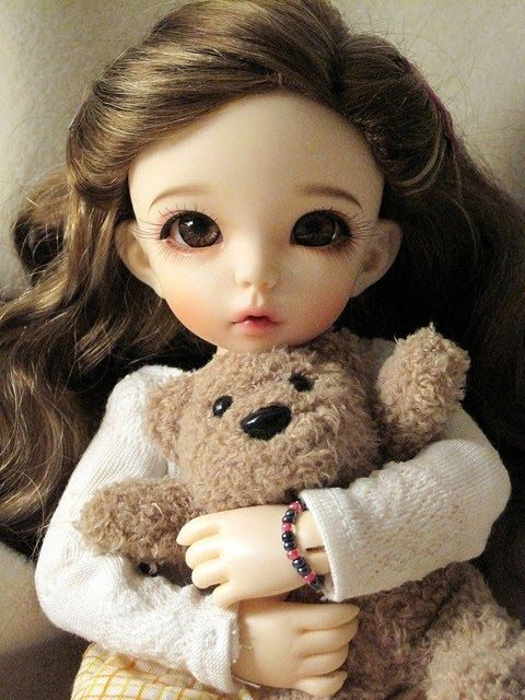 Love cute Doll Wallpaper : best images about Doll on Pinterest Red gowns For girls and HD Wallpapers Pinterest ...