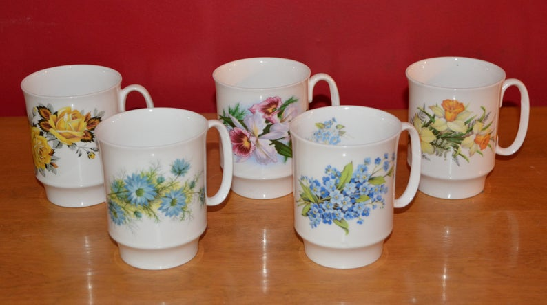Set Of Five Royal Windsor Tea Cups In 2020 Tea Cups Violet Flower Cup