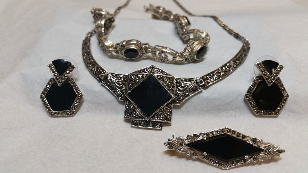 unique+onyx+and+hematite+set+sterling+silver+bracelet+brooch+pin+earrings+and+necklace+antique+estate+sparkles+like+a+diamond+Marlen+Jewelers+Rocky+River+Ohio+minutes+from+Cleveland.jpg (1000×563)