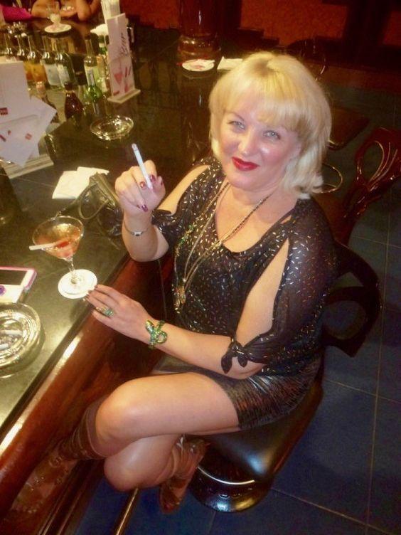 Hot blonde cougar smoking bj 3