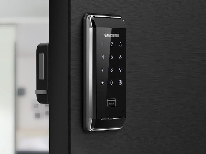 Samsung SHS 2920 Digital Door LoIn The Case Of Physical Shocks Or Repeated  Errors In Gauging Authentication For Access, The Alarm Sound Will Help In  ...