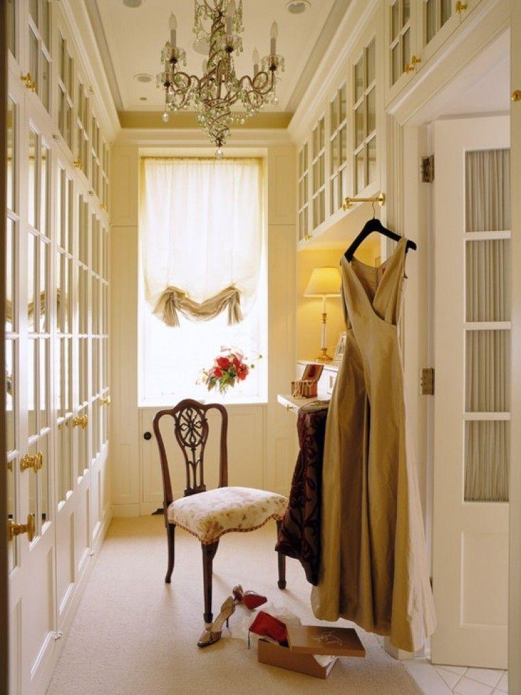 Master wardrobe closets, vanity