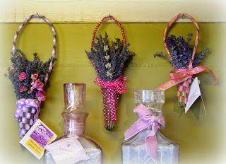 The Traveling Teapot: The Teaching Teapot: Lavender Weaving 101