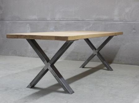 Industrial style oak dining table xavier en 2019 - Fabriquer pied de table ...