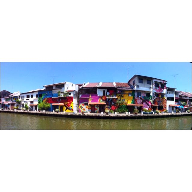Worth the 32 degree walk by the merky river to come across this little view. Malaka, Malacca