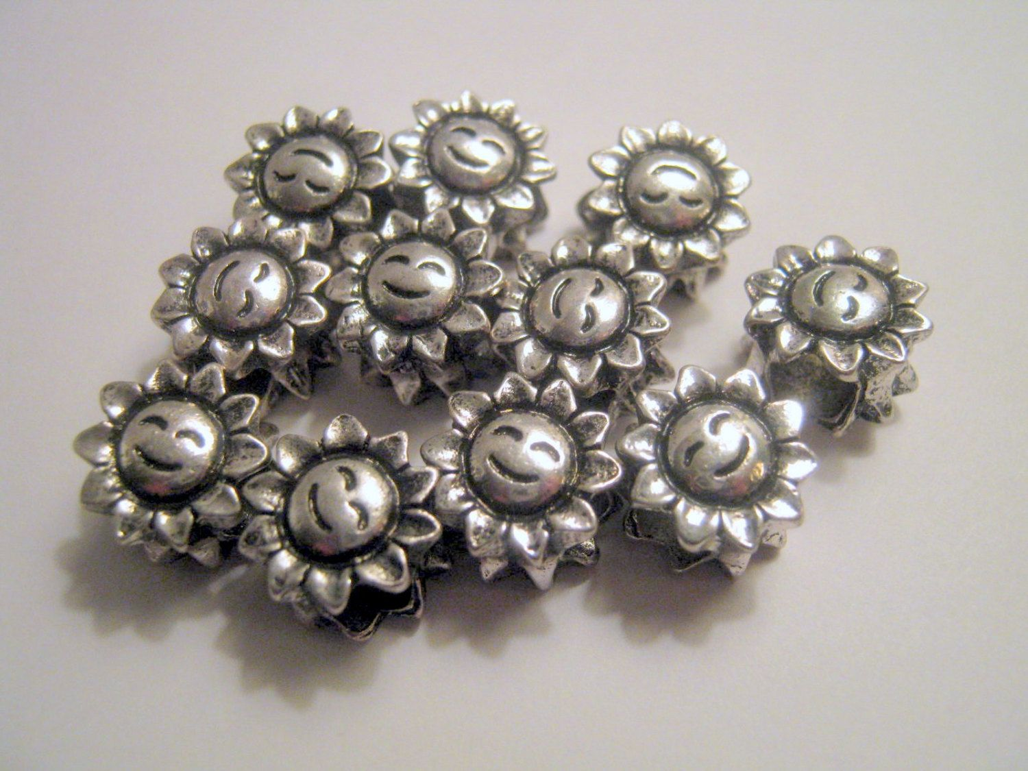 Clearance 11 Silver Tone Sunflower Beads