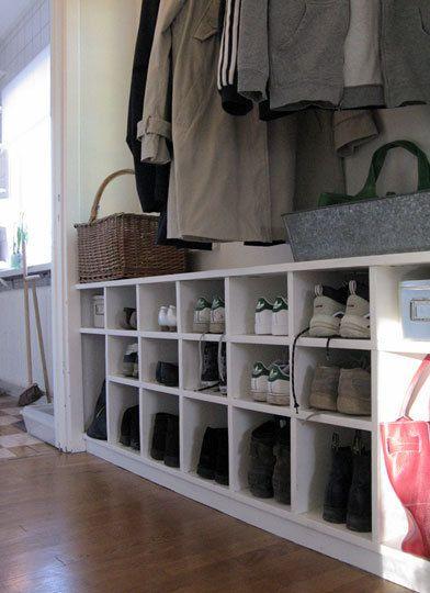 Skohylla för många skor drömhem Pinterest Inredning, Skor och Hall