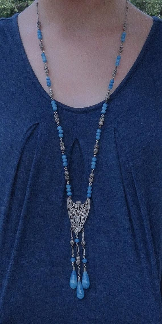 NEW. A BLUE PEARL BEAD AND ANCHOR THEMED PENDANT NECKLACE