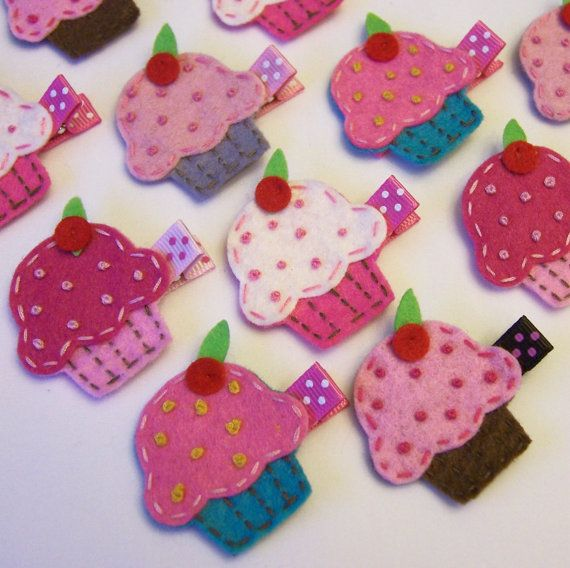 Cool felt cupcake hairclips for my girlies. Great for the bday girls too.