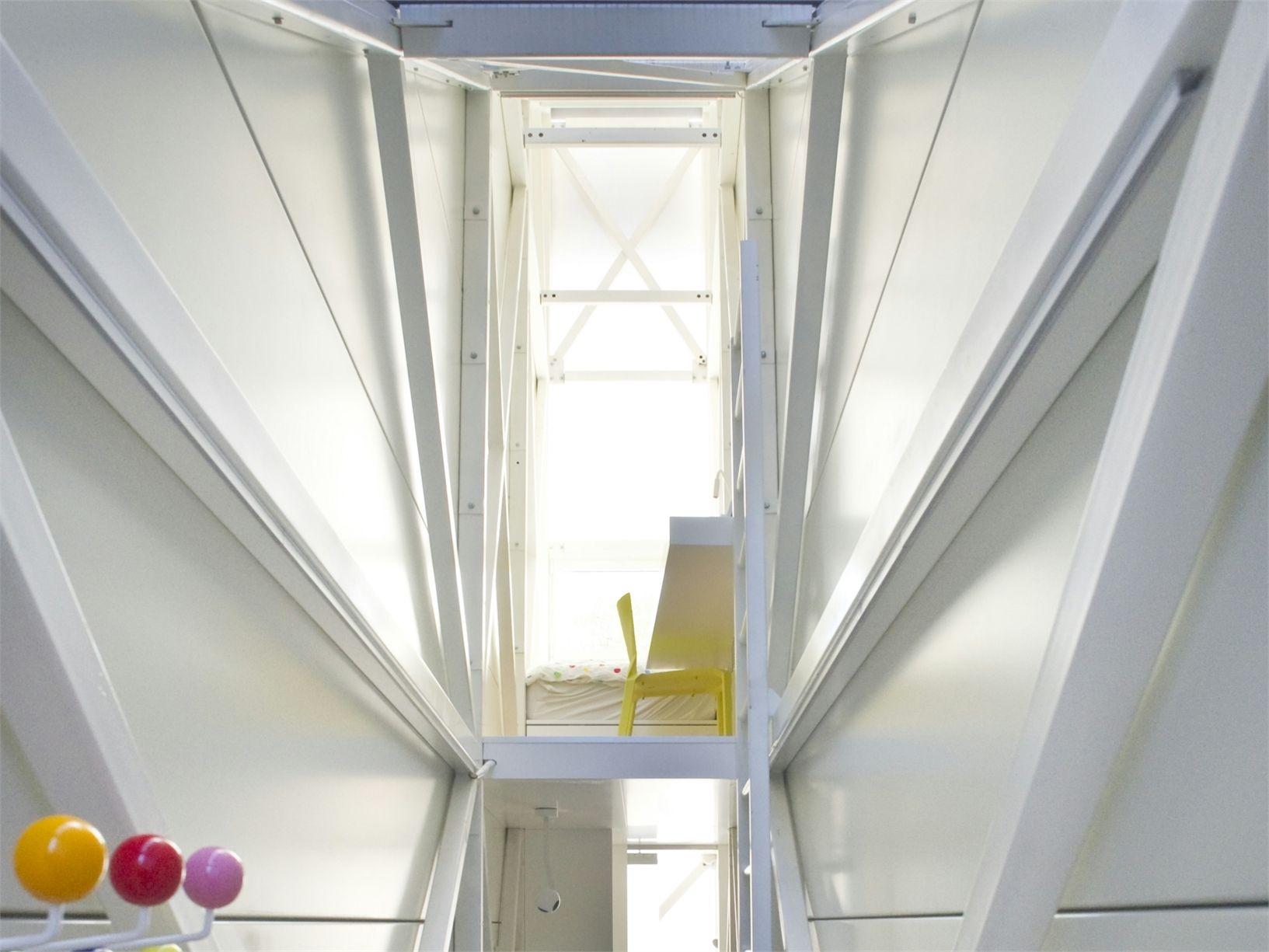 Etgar Keret's House: Varsavia  Ta-Ta, this is the interior!