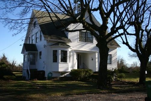 184 S 6th Street Depicted As Charlie Swan And Bella S House Saint Helens Oregon Twilight Thetake Charlie Swan Paul Lahote Movie Place