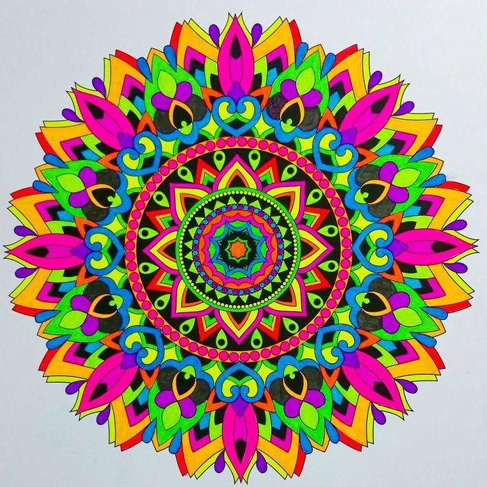 1001 dessins de mandala imprimer et colorer art - Dessin colore ...