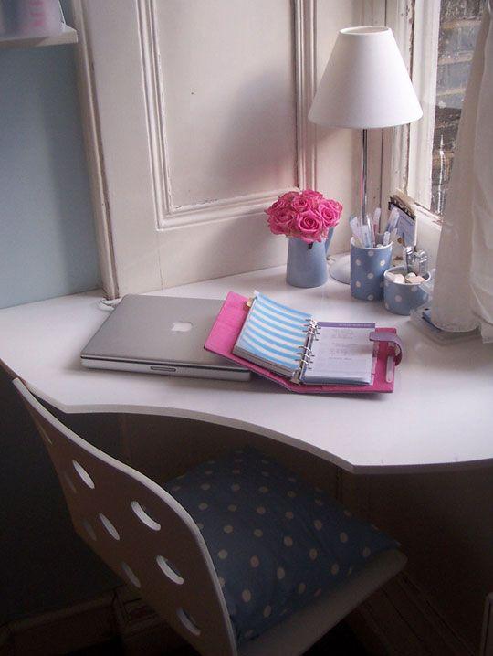 Cozy Corner Office Nook - #nook/#builtin/#office/#bookshelf