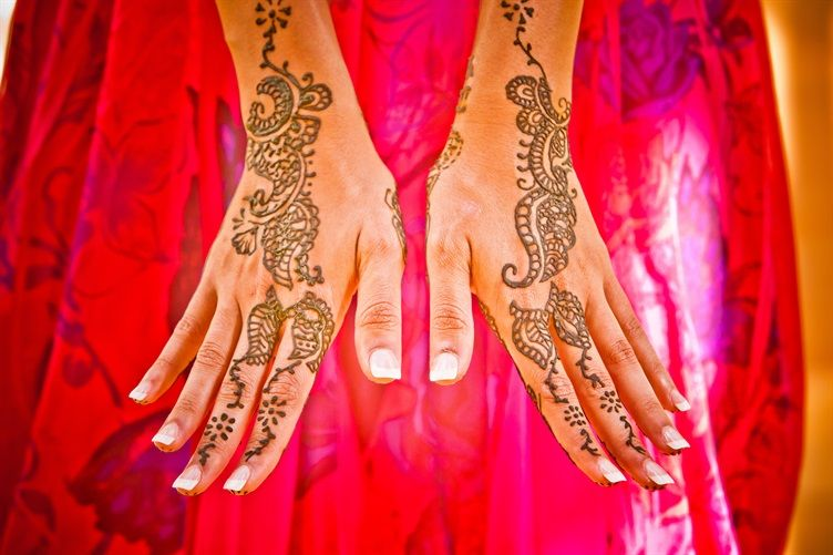 21 Trend Styles of Bridal Henna
