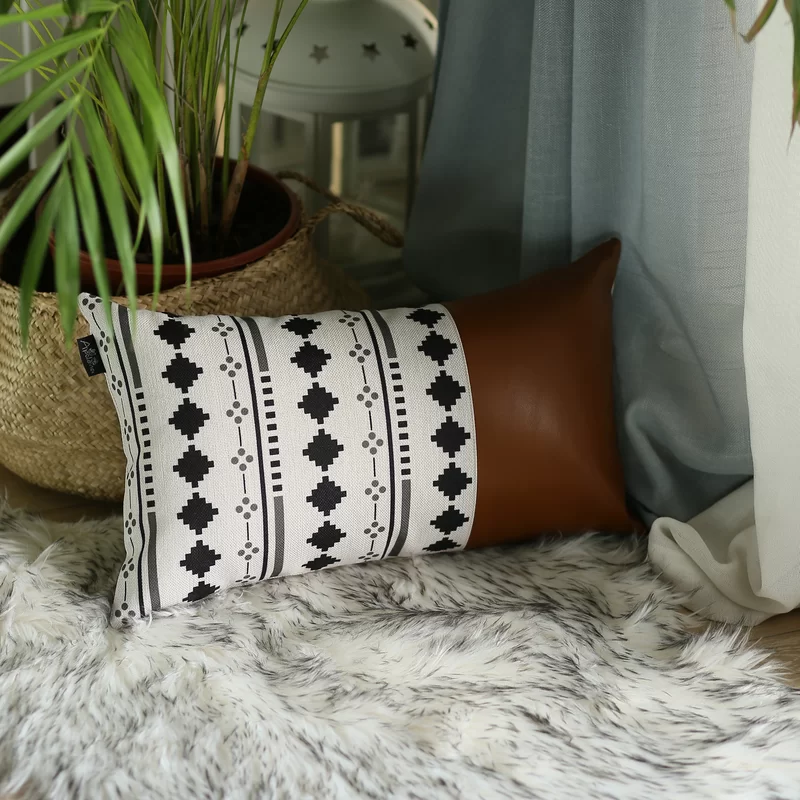 Leer Decorative Geometric Pillow Cover In 2020 Decorative Lumbar Pillows Geometric Pillow Covers Lumbar Pillow Cover