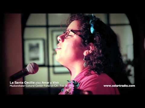 La Santa Cecilia Amar Y Vivir Mov Youtube Music Artists La Santa Cecilia Concert
