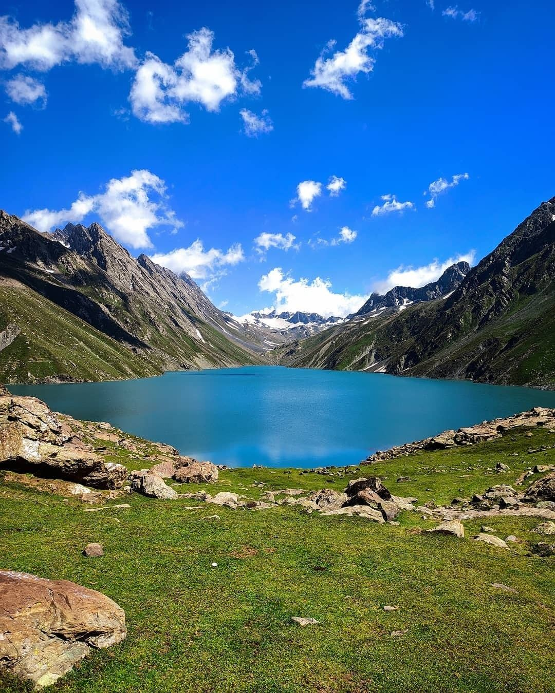 #Repost @azmatwani_ @download.ins --- Take me to a mystical experience. . . . . . #alpine #lake #lonelyplanetindia #hubs_united  #global_hotshotz #igglobal #mountainculture  #treecare #valley #instagood #himalayasin #naturepakistan #f4f  #himalayangeographic #dawndotcom #beingkashmiri  #pictureoftheday #meadow #awesomeearth #artofvisuals #mobilephotography  #igersoftheday #meadow #wanderlust #explore #mobilephotography #YourShotPhotographer