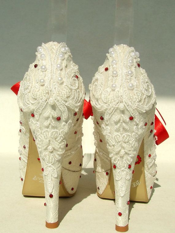 4d7e6ae3d7c White Lace Wedding Shoes with Red Ribbons and Rhinestones | sapatos ...