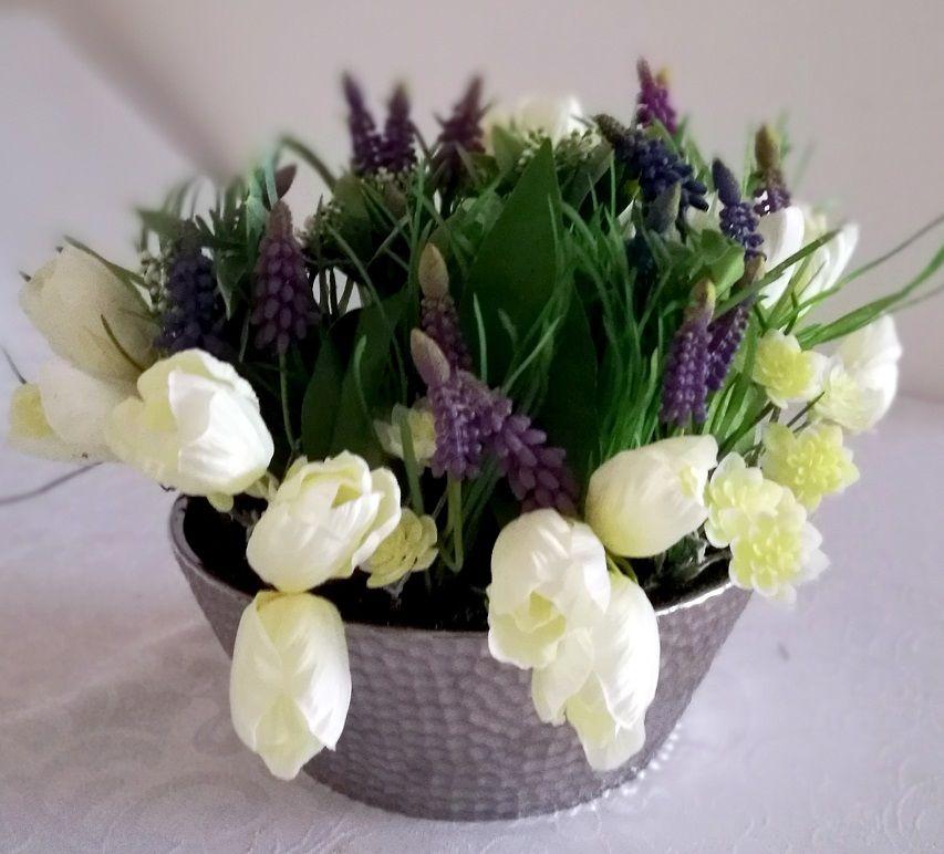 Wiosenny Stroik Szafirki I Tulipany Nr 173 Swiateczne Atelier Flower Centerpieces Flowers Plants