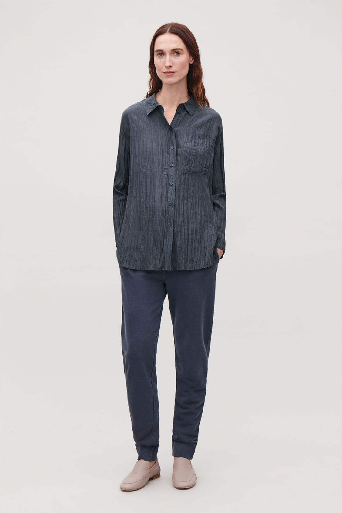 a2a5684a8c09c8 Detailed image of Cos crinkled silk shirt in blue