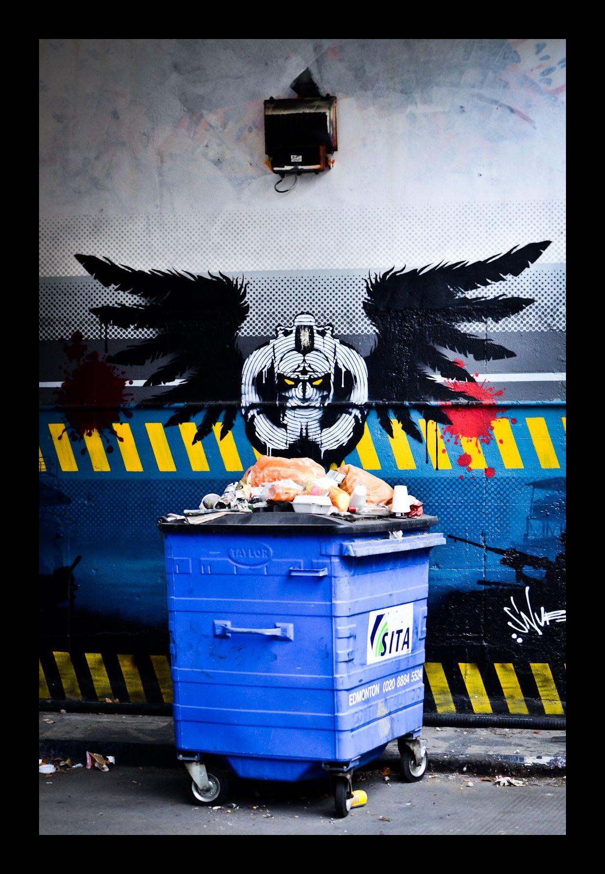 We gots a vulture in Shoreditch, feeding on binz.