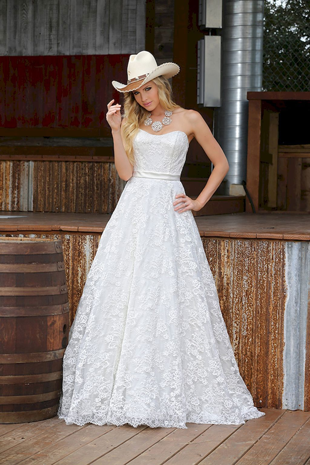 46 Elegant Vow Renewal Country Wedding Dresses Ideas