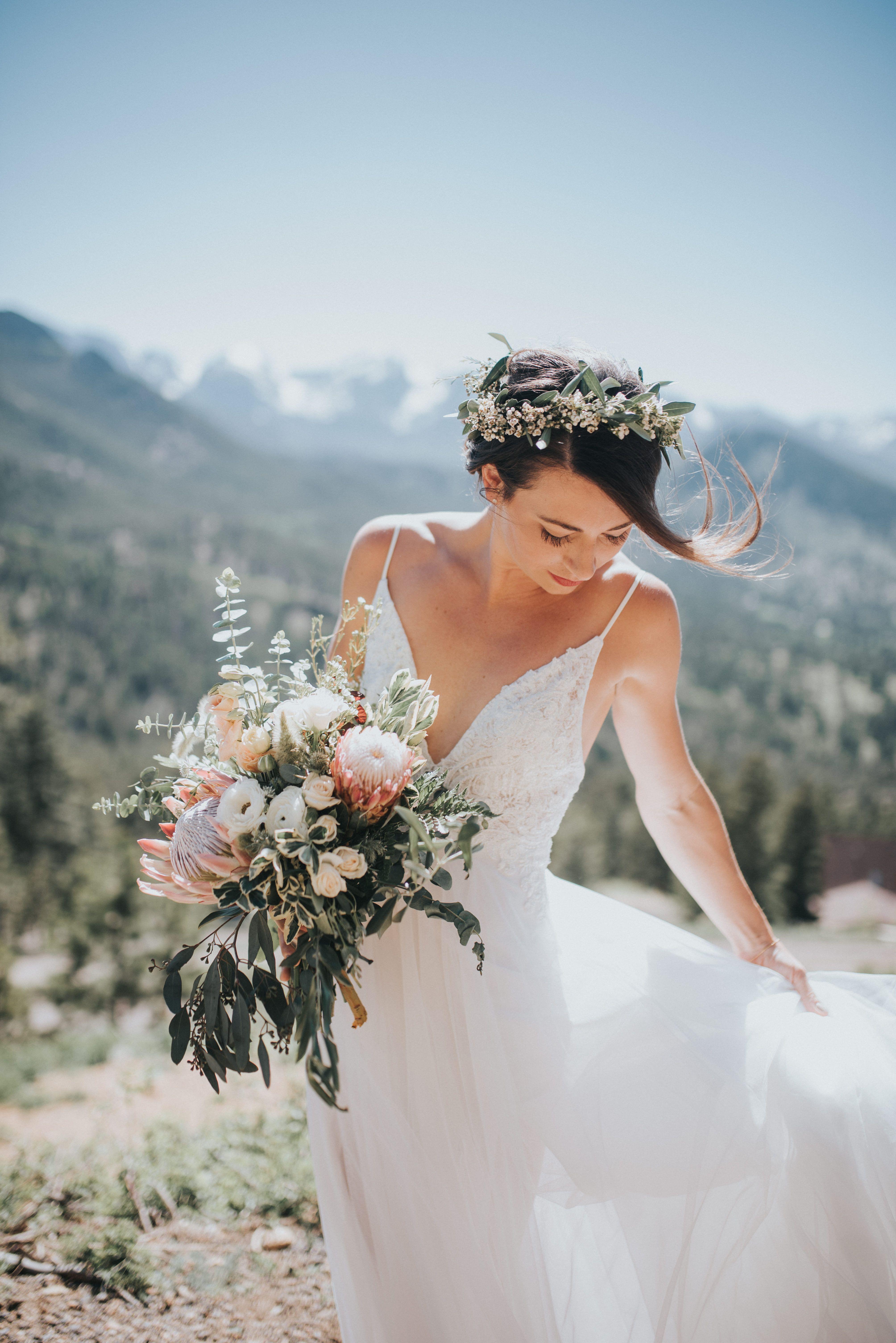 Earthy Wedding Bouquet Color Palette Wedding Color Palette Tulle Wedding Dress Earthy Wedding [ 6016 x 4016 Pixel ]