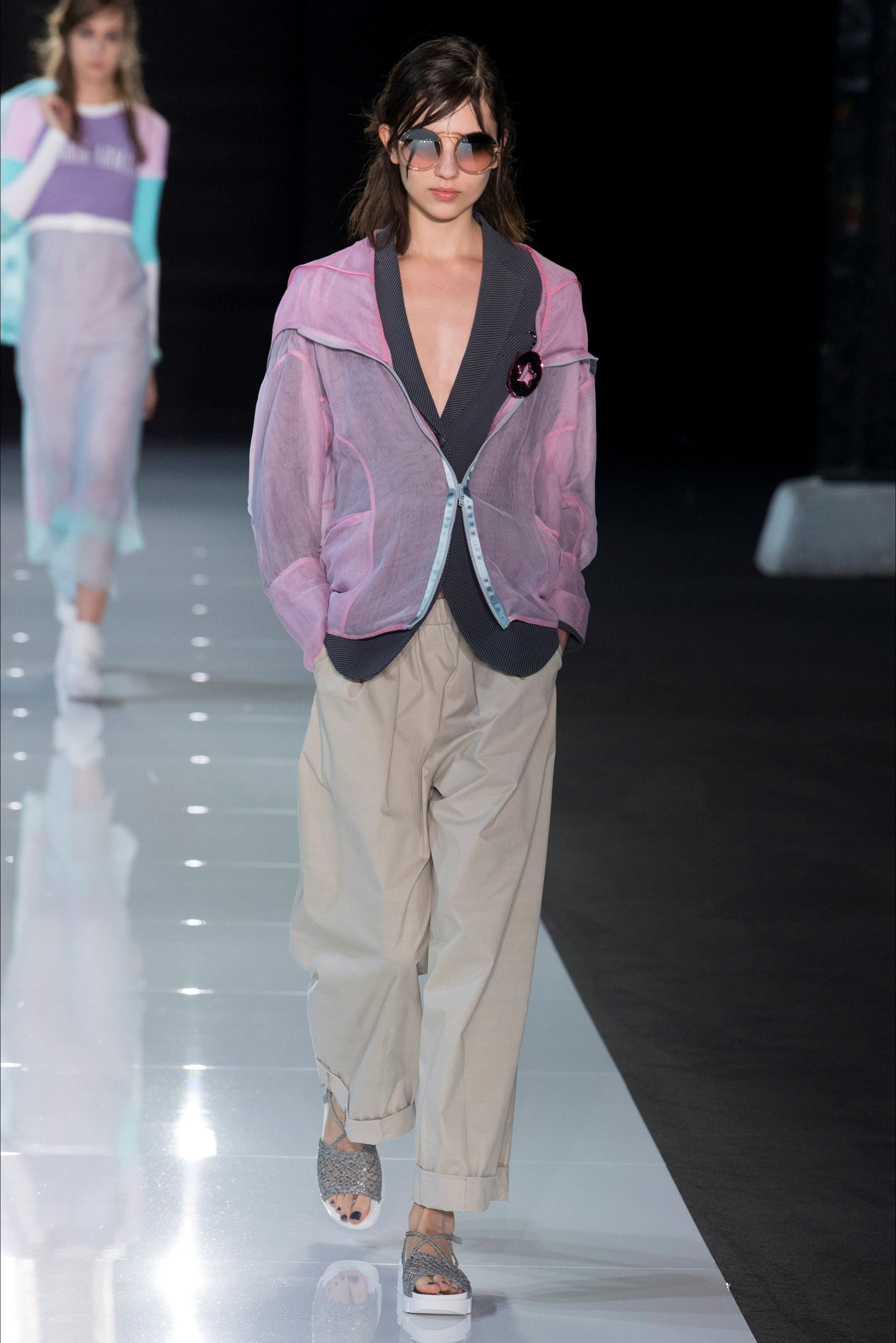 4a65f990705c Sfilata Emporio Armani Londra - Collezioni Primavera Estate 2018 - Vogue