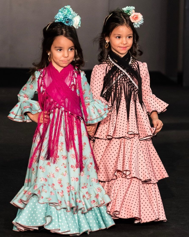 Marinaflamenca On Instagram Trajesdeflamenca Simofsevilla Desfileinfantil Diseñadora Traje Flamenca Niña Vestido Flamenco Niña Vestidos De Flamenca