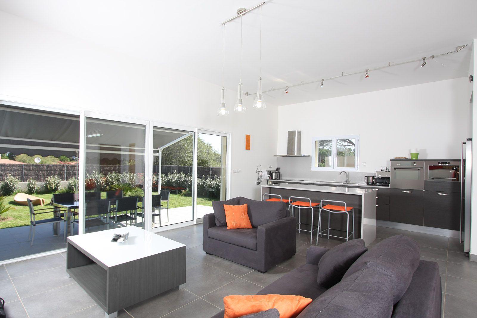 Canapes Spacieux Et Confortables Pour Recevoir Villas 3